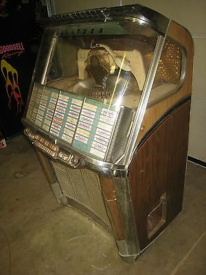 Original Wurlitzer 2104 Jukebox For Restoration 1957 Plays 45s Very Cool Machine