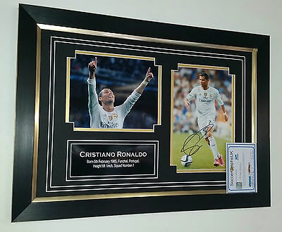 ** NEW Cristiano Ronaldo of Real Madrid Signed Photo Picture Autograph Display *