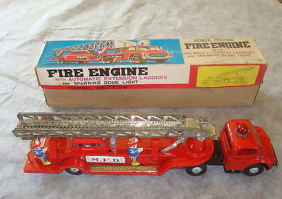 Vintage Kokyu (Japan) Large Tinplate  Fire Engine ~ Friction ~ Auto Ladders Vgc