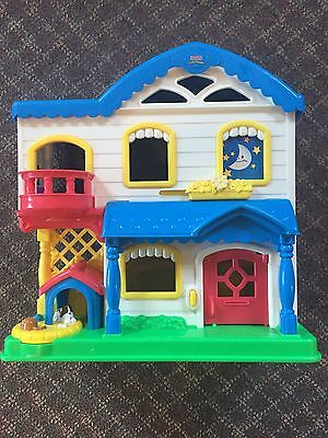 2006 Fisher Price Little People Busy Day Doll House Musical GUC