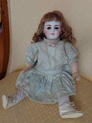Antike Puppe geschlossener Mund Simon & Halbig c1880 Ohrringe closed mouth doll