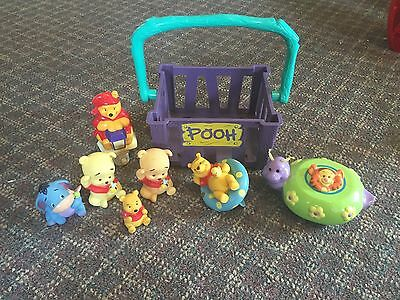 Winnie The Pooh Night Light Bath Toys Figures & Pooh Basket GUC
