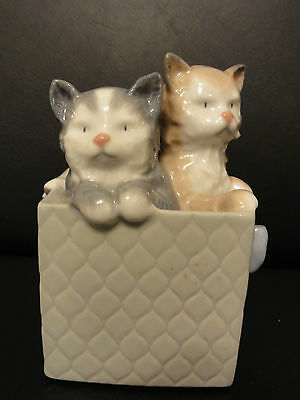 Nao Figurine - Cats In A Gift Box