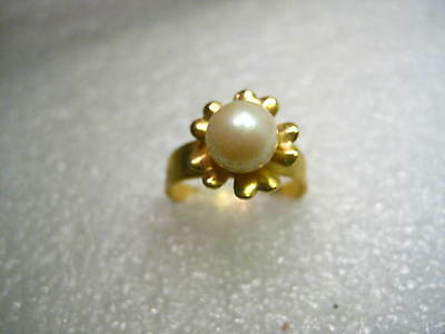 Vintage Gold Tone Faux Pearl Floral Ring, adjustable,  sz. 5 to 9, tapered band