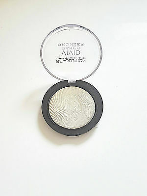 Makeup Revolution Vivid Baked Highlighter Shimmer FACE POWDER GOLDEN LIGHTS