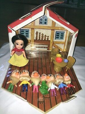 Vintage 1967 Hasbro Storykins Snow White And The Seven Dwarfs Cottage Case