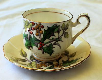 Vntg ROYAL ALBERT Bone China England HOLLY Flower of Month #12 Set Cup & Saucer