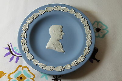 Wedgwood Ronald Regan Round Tray, signed by Lord Wedgwood, in box