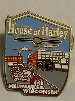 Collectible 1998 Harley Davidson House Of Harley Milwaukee Wisconsin Pin/PinBack