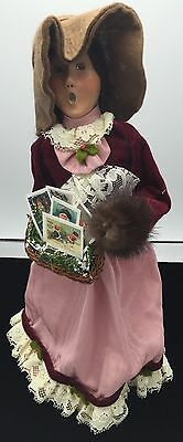 """Byers Choice 2003 Exclusive Winterthur Woman Christmas Cards Basket 13"""" Tall"""