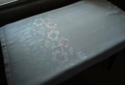 "Vintage Irish Linen Damask Bath Towel Pastel Pink Flowers ""Old Bleach"""