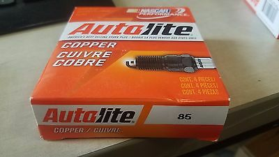 AUTOLITE 124 SPARK Plugs - Set of 4 New fast usa shipping