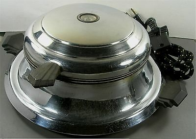 Vintage Red Seal Appliances Electric Waffle Iron Maker No 7070 Fabric Cord 625W