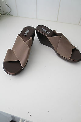 NWOT Rivers Brown Wedges Slippers Sandals size EU39
