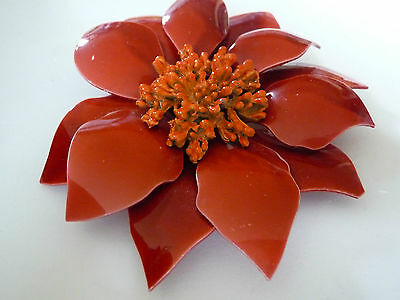 VINTAGE BIG'RUSTY ORANGE PLASTIC/LUCITE FLOWER BROOCH CORSAGE1960s