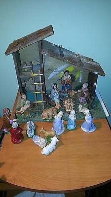 Vintage Nativity Scene + Lot Of Figurine Made In Italy