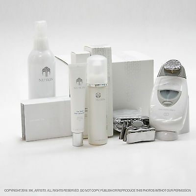Nu Skin ageLOC Galvanic Spa System II. Facial Package. NEW! White. E:2017. FedEx
