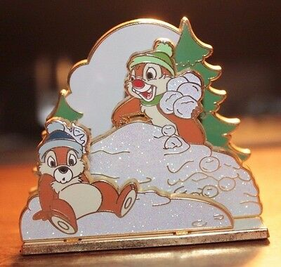 Disney Shopping Store DS 3D Winter Chip And Dale LE 250 Diorama Pin
