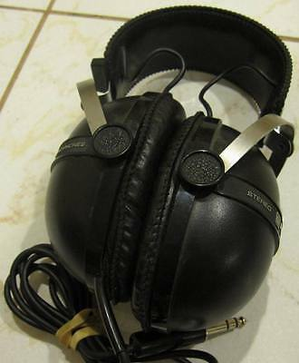 PIONEER SE-205 Vintage Stereo Headphones - Tested and workng great!