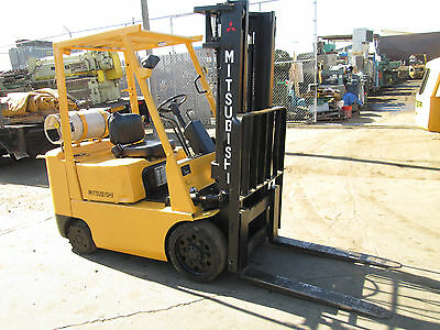 "Caterpiller / Mitsubishi Mdl Fgc25 Propane Forklift 5000 Lb Cap. 130"" Max Height"