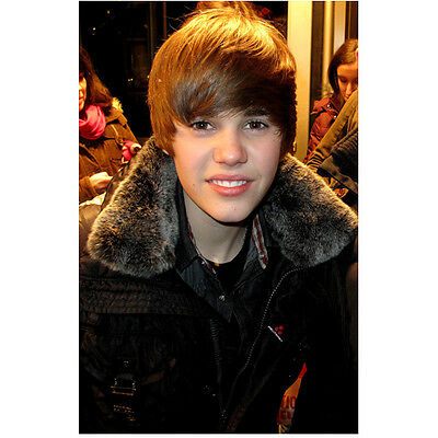 Justin Bieber Wearing Coat Smiling Close Up 8 x 10 Inch Photo