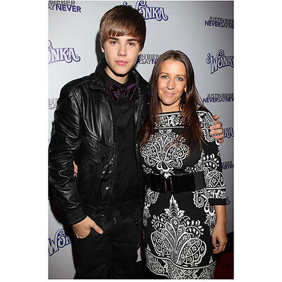 Justin Bieber on Red Carpet with Mom 8 x 10 Inch Photo