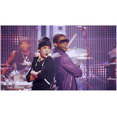 Justin Bieber on Stage Singing and Dancing with Usher 8 x 10 Inch Photo