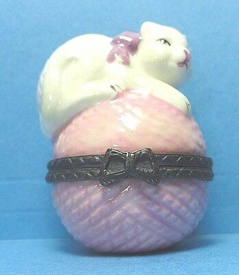 Porcelain Cat On A Ball of Yarn Hinged Trinket Box