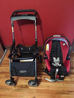Graco Snugride 35 Click Connect Car Seat, Base and Stroller