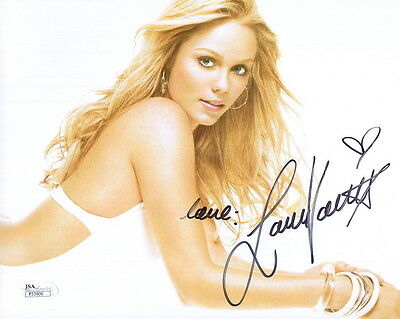 LAURA VANDERVOORT HAND SIGNED 8x10 COLOR PHOTO    GORGEOUS+SEXY ACTRESS      JSA