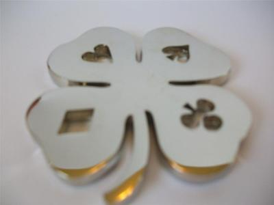 Silver Lucky Four Leaf Clover Suited Heavy Poker Card Guard Hand Protector NEW