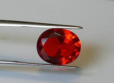BEAUTIFUL RUBY RED HELENITE OVAL 12x10 MM