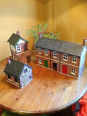 Garden Railway G Gauge 1:24th Scale Terrace row, Signal Box And Hut Starter Kit