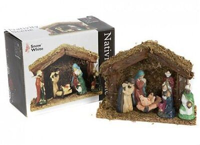 6 Piece Christmas Porcelaine Nativity Scene Wooden Stable