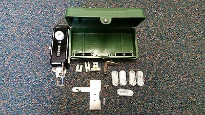VTG Singer Green Plastic Case Sewing Machine Button Holer #160506