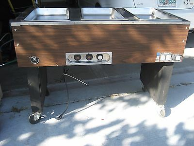 Eagle Serving  3-Well Electric Hot Food Table / Buffet/    Local Pick Up Only