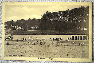"CPA "" NEVERS - Plage"
