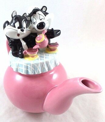 as is wb Pepe Le Pew Penelope Tea Pot Teapot Warner Brothers Store Looney Tunes