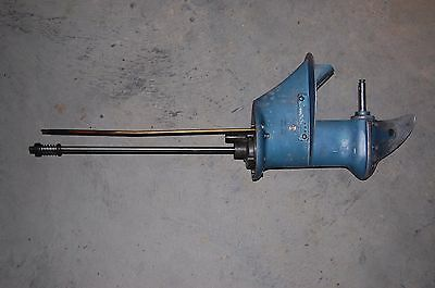 1954 Evinrude Johnson OMC 7.5 HP lower unit gear case w/ Water pump Assy