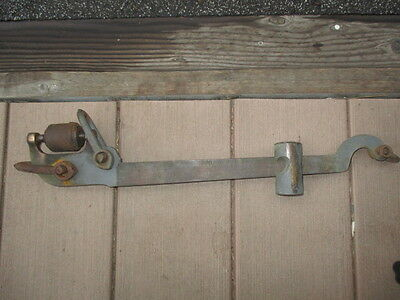 Vintage Victor grain scale beam Serial # 025431 brass or bronze and steel