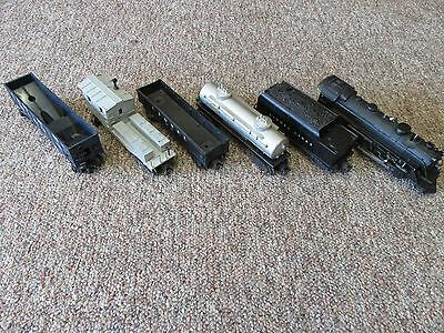 Lionel 224 Engine, Tender 6466W & (4) Other Cars