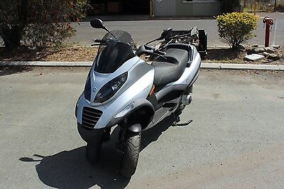 2009 Piaggio MP3 250 i.e. Auto 244cc 3-Wheel Scooter - ONLY 1,301km - RRP A$9,5k