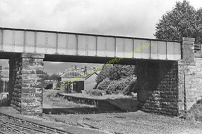 Crieff Railway Station Photo. Comrie to Innerpeffray and Highlandman Lines (5)