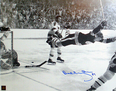 "Bobby Orr ""The Goal"" Autographed 16x20 Photograph - Boston Bruins"