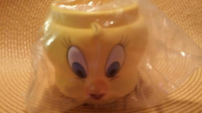 Warner Bros-Looney Tunes Tweety Bird Cup - 1992 edition