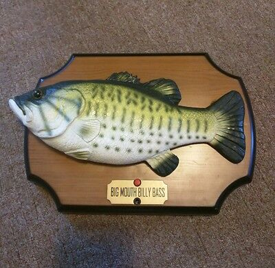 Big Mouth Billy Bass Fish Plaque Take Me to the River Dont Worry Be Happy 1999