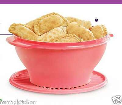 Tupperware Large Servalier Salad  bowl 17 cups Guava New!!!