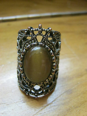 Gorgeous vintage silvertone knuckle ring, large light amber stone, size 5 & 1/2