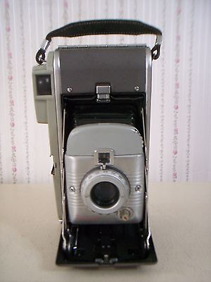 Vintage Polaroid Model 80 Land Camera