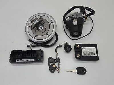 2001 Ducati Monster M900 900 S4 Speedometer Gauges Ignition Switch 01-04 D008